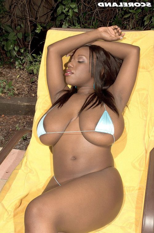 Black milf janet jade in sexy bikini