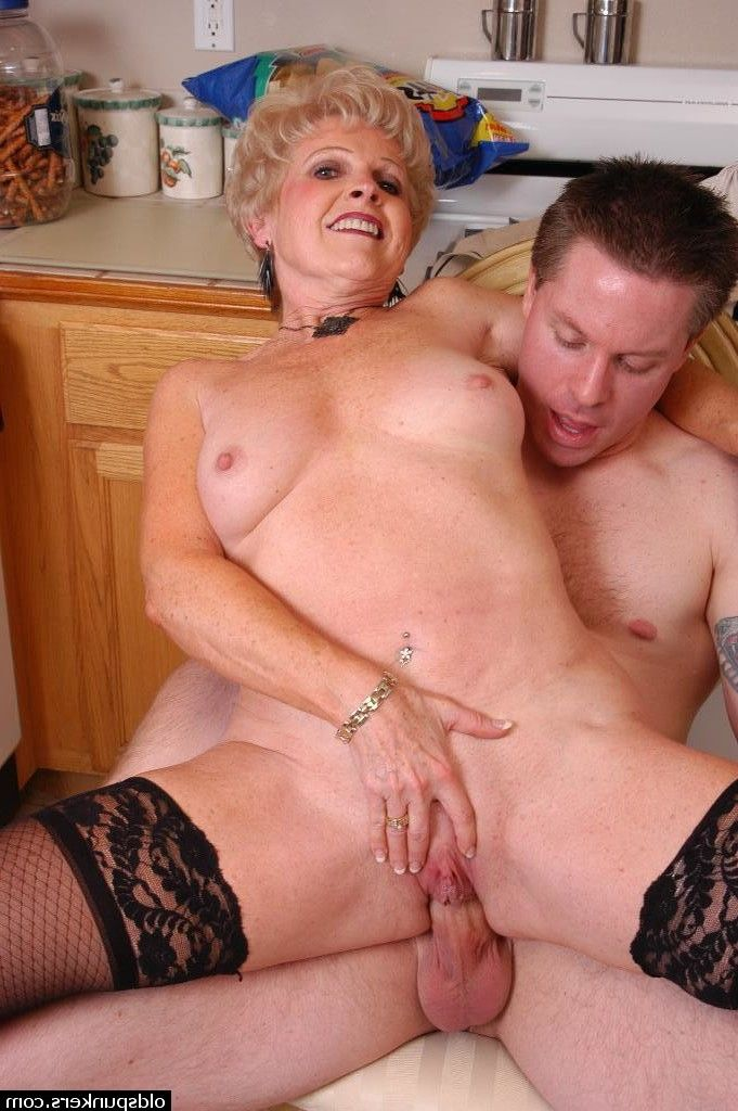 Slutty malina mars gives her stepdad a fathers day present - 2 part 4