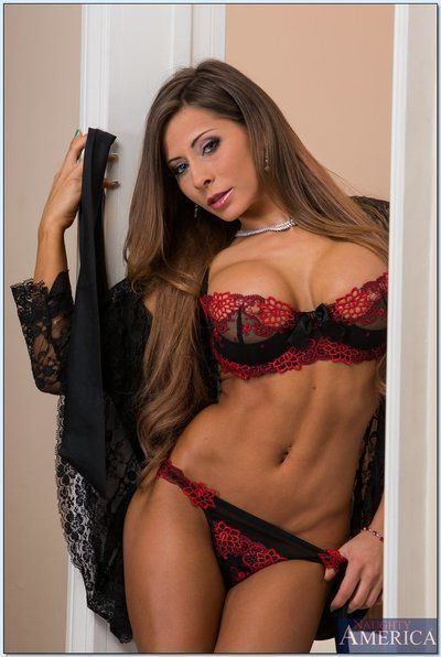 Sizzling babe Madison Ivy gets rid of her provocative lingerie