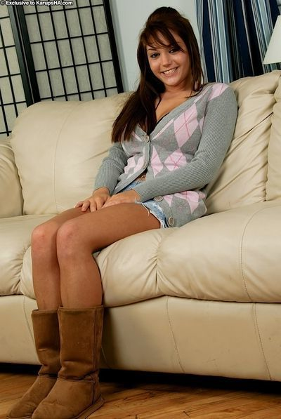 Amateur babe with a pretty smile Lisa Lexington caresses her big tits