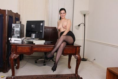 Hairy american housewife getting energetic at work