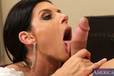 India Summer is a clammy cougar on the prowl. This babe thud up the local club in her skimpiest outfit. This babe has no time to full around games, this chick went out for one reason and one reason only...COCK! Bill is bigger number of than geared up to g