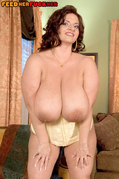 Busty huge bbw slut maria moore having a dessert and some pussy