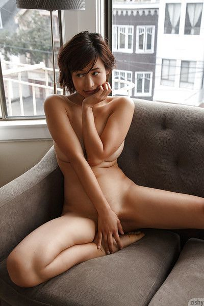 Curvy Asian amateur Saki Kishima showing her body while showering