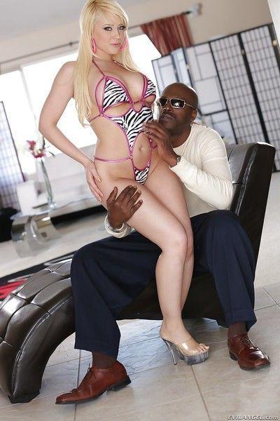 Interracial hardcore fuck featuring big tits cowgirl Lexington Steele