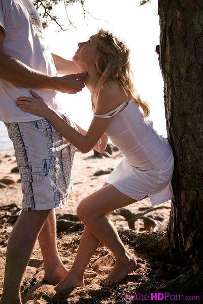 Soft teen babe Mariana has wonderful sexual experience on the beach