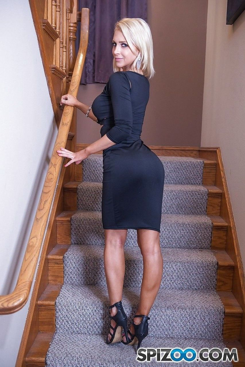 blonde frau blowjob