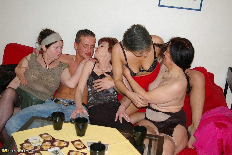 Drunk mature orgy photos 808
