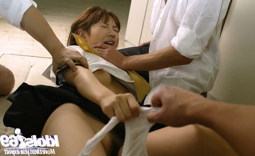 Insignificant Chinese schoolgirl attains strained by raunchy chaps to a massive MMF