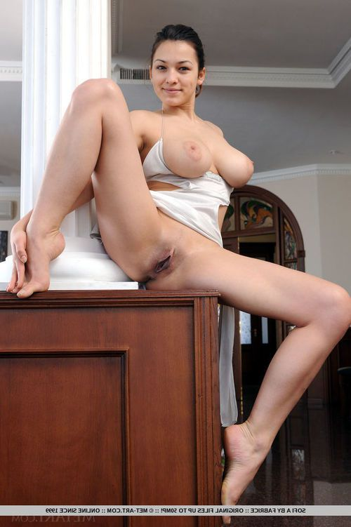 Acrobatic youngster Sofi A touting massive juggs with legs wide free