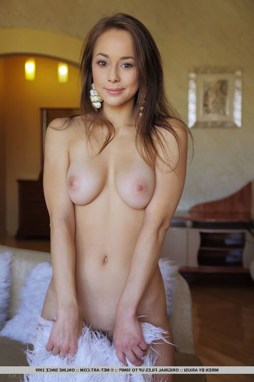 Dark brown glamour hotty with gigantic usual billibongs baring delightful juvenile apple bottoms