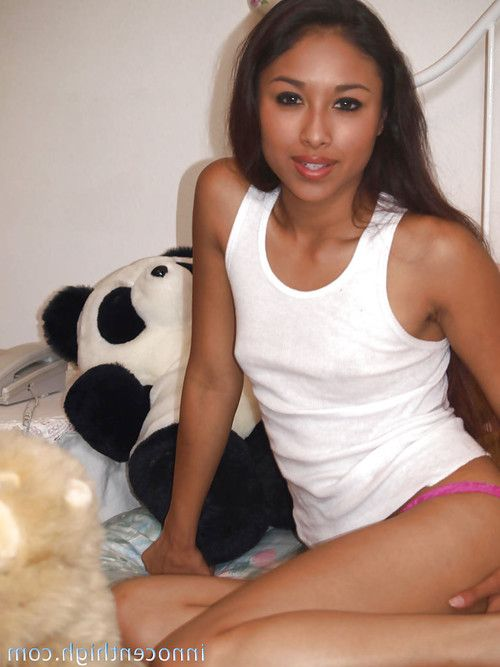 Eastern young Cali shows her diminutive breasts and stretching legs and anus