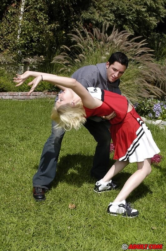 Spiteful fairy-haired cheerleader flashing her cooter at her try-out