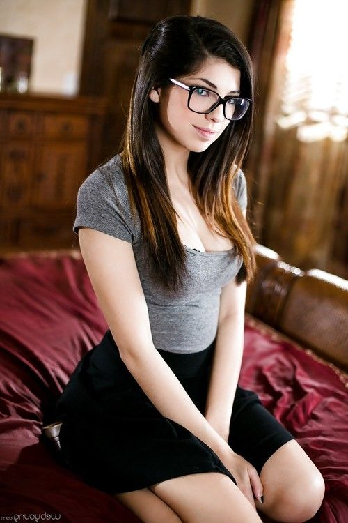 Glasses wearing nerd undressing in bedroom for number 1 time nudes