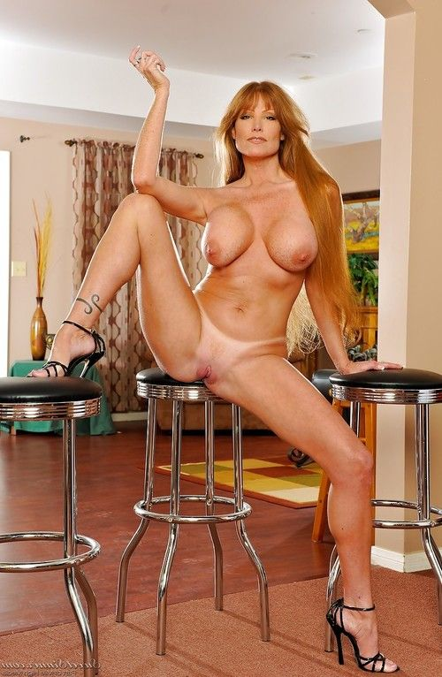Curvy MILF stunner Darla Crane disrobes lacking her swarthy sexy pants