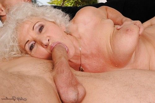 Fatty mature with hard jugs receives screwed and jizzed over her bush