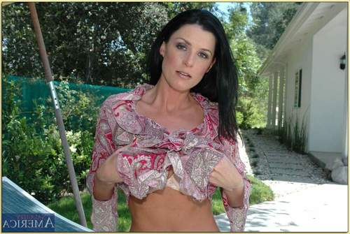 Seasoned lady in beige underware India Summer disrobes and amplifies outdoor