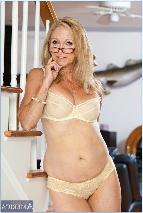 Wrinkled yet wild and flexy ripened Annabelle Brady erotic dancing