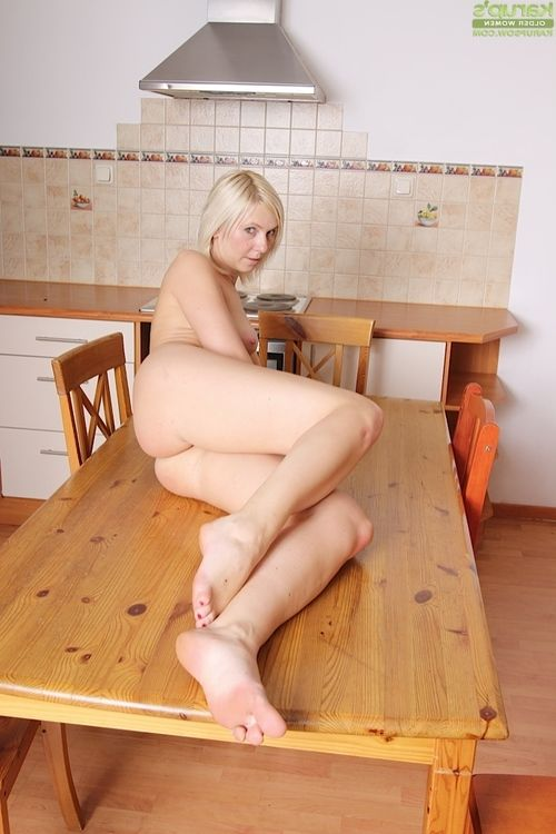 Granny fairy-haired with large love muffins stretches smooth on top gentile for kitchen masturbation