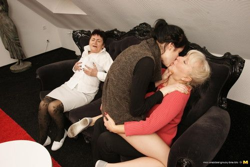 Triple old and youthful lesbian chicks making it sweaty and steamy