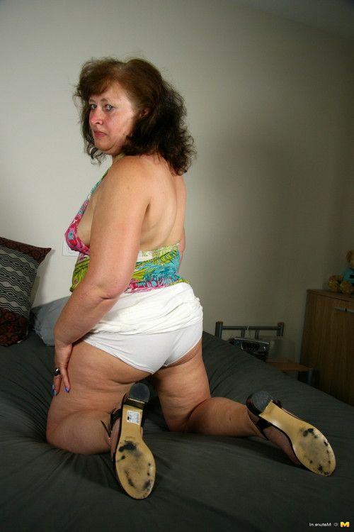 Brawny dutch housewife feeling raunchy