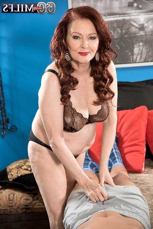 60milf katherine merlot admires to dig her soaked cage of love