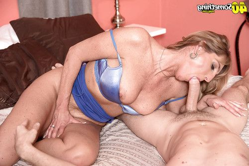 Boobsy over 40 cougar with smooth head snatch and colossal jock engage in hardcore fucking