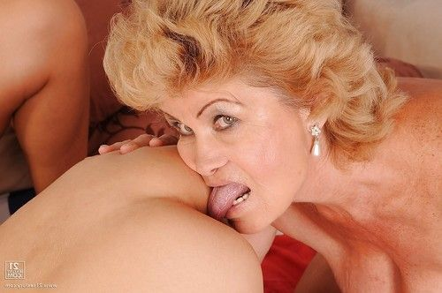 Lecherous grannies have foursome lesbo enjoyment with their fresh partners