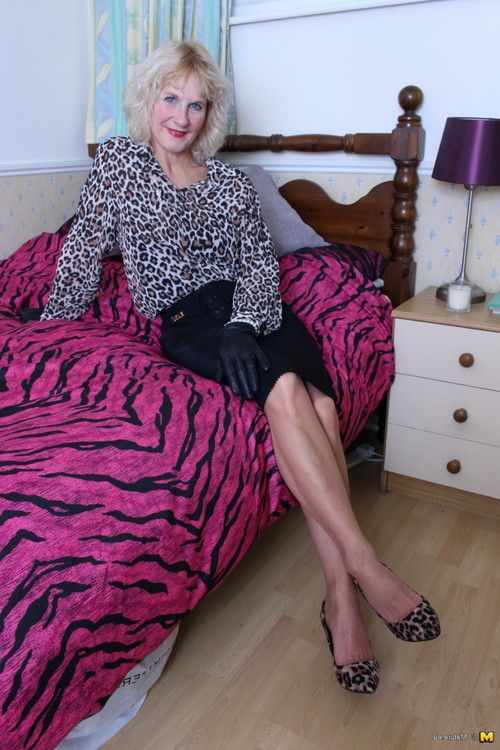 Raunchy british housewife playing alone