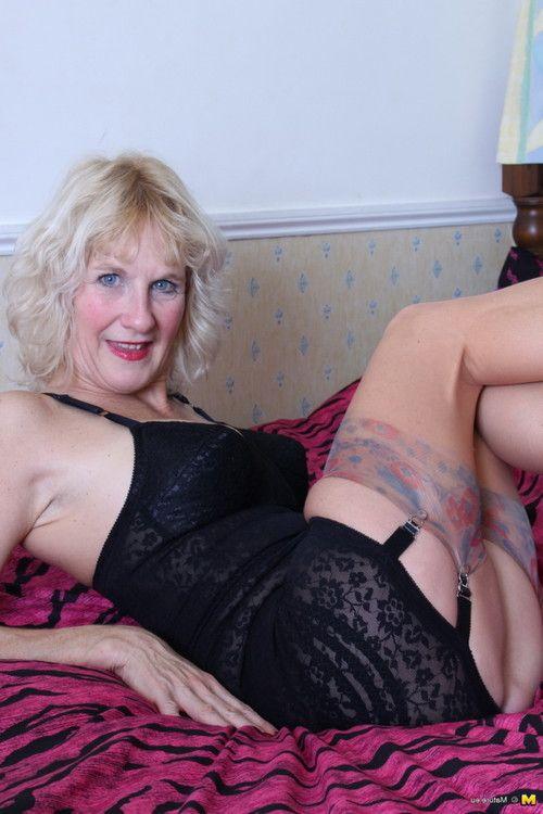 Raunchy british housewife playing alone
