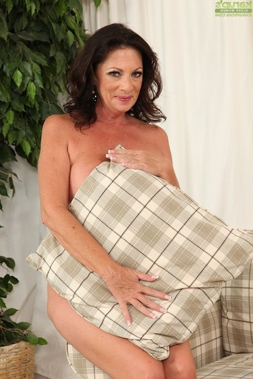 Wanking scene features a massive billibongs melodious doll Margo Sullivan