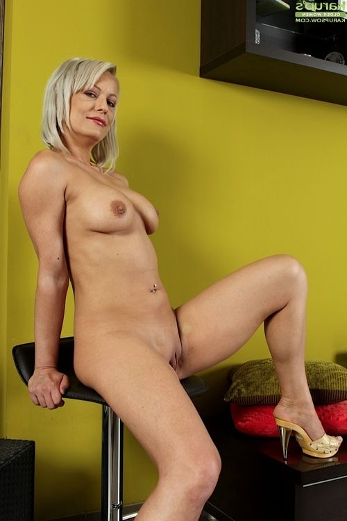Elderly fairy-haired lady Vanessa Moore exposing massive mounds and smooth head bawdy cleft