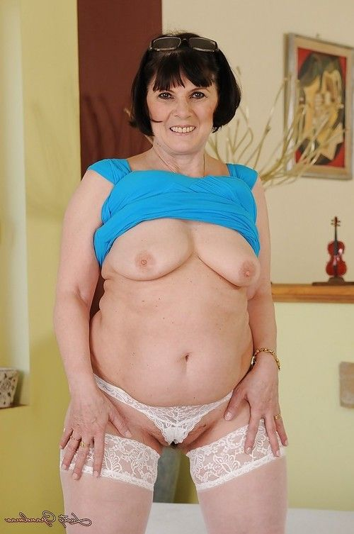 Extra-weighed grandpa in white  striptease and exposing her bushy slit