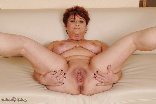 Buxom established slipping off her underware and widening her legs