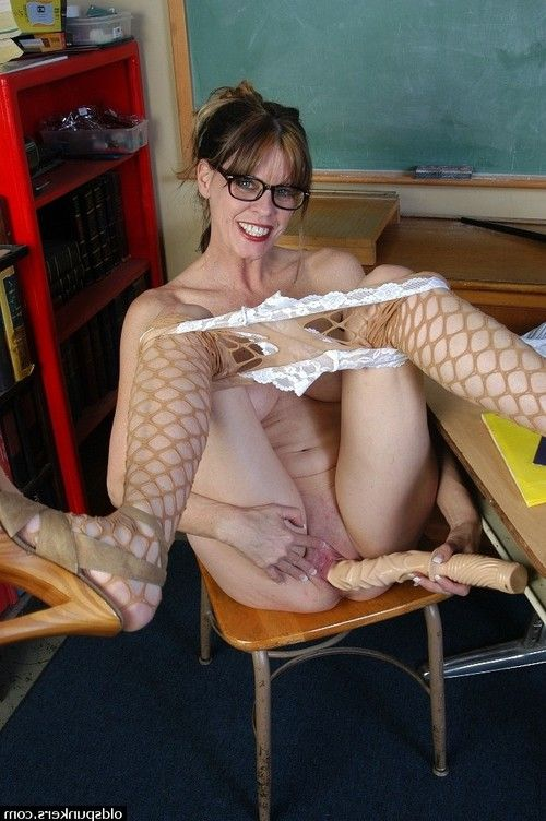 Nerdy mellow schoolteacher Angelika whips out vast phallus exchanger in classroom