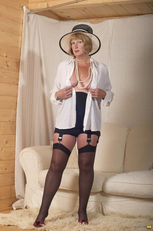 Bawdy british ready lady receives merry