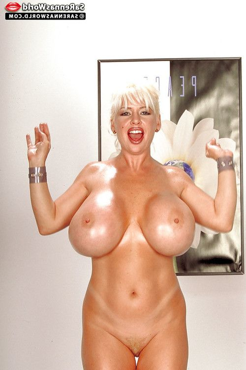 Golden-haired pornstar SaRenna Lee displaying severe placid tits and anus