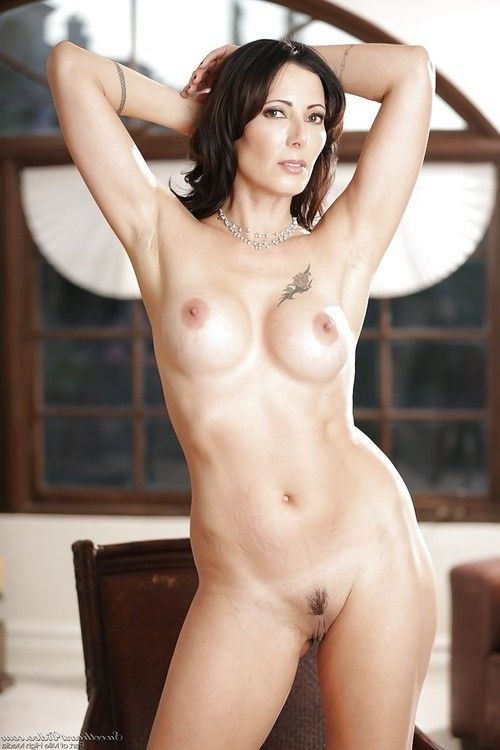 Grown brunette hair Zoey Holloway shows off her nice-looking sticky immense boobies