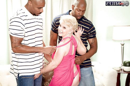 Horny older Jewel is adores interracial groupsex with 2 ebony stallions