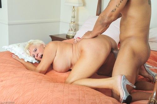 Sexually excited grannies love to fuck #10, scene #02