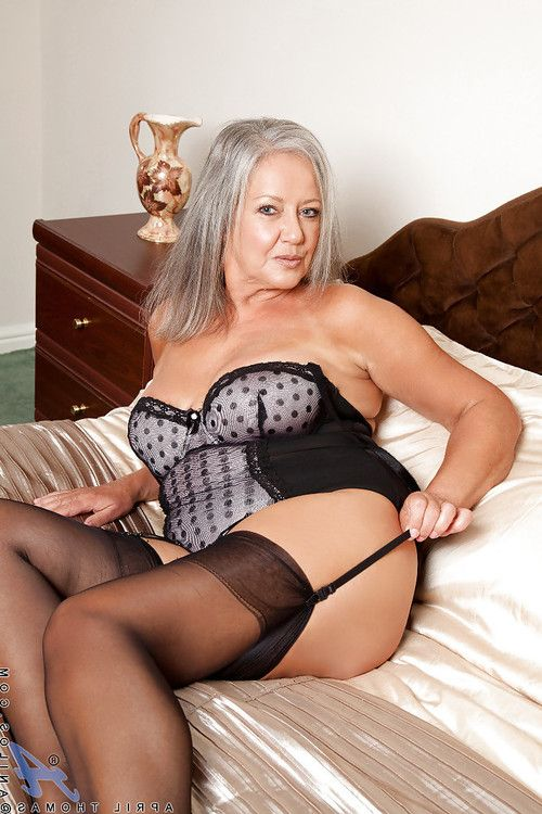 Fatty adult in nylons voluptuous off her sexy pants and toying her vagina