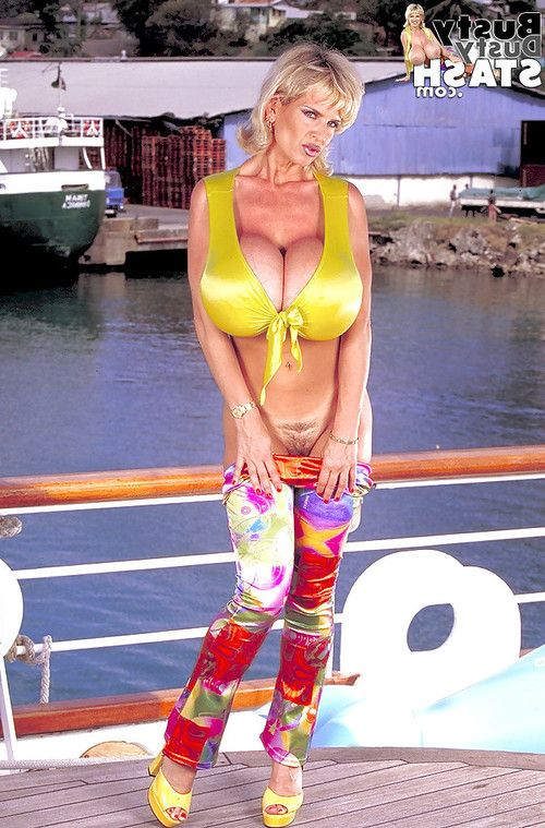Established woman Curvy Dusty loosing raw hooters outdoors on dock
