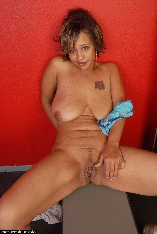 Melodious Latin hottie Sara is showing off her vast ordinary boobies and shithole