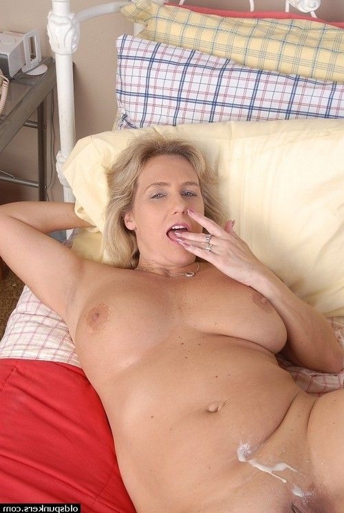 Grown up sexually excited BBW Wanda obtains her lustful fuck gap pressed by a lustful man
