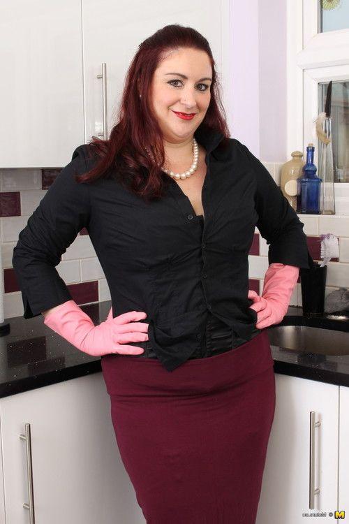 Fat british housewife getting smoking nasty