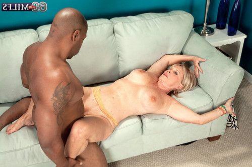 White seasoned woman orally fixating brown pride