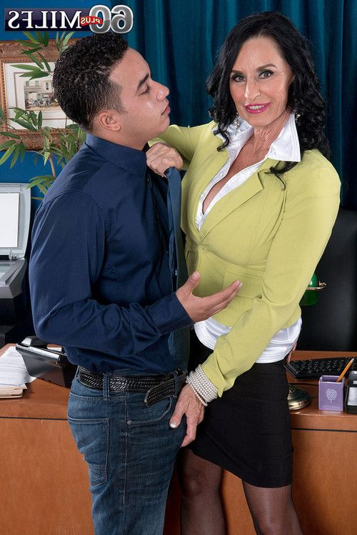 Sexual milf boss rita daniels accepts it right up her wazoo