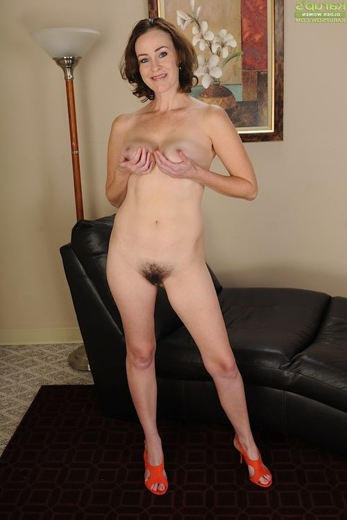 Sexually excited mellow brunette hair Veronica Snow is tempting off her underclothes