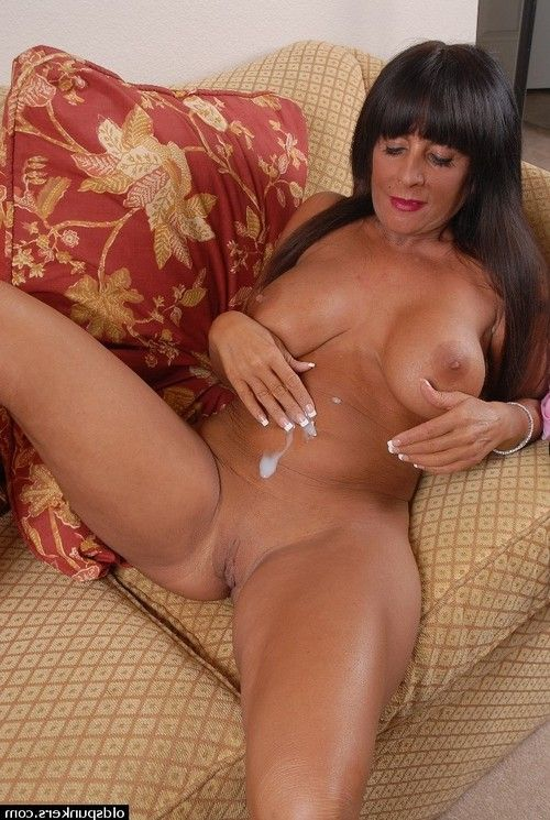 Breasty mellow dark hair Cassidy having her hairless snatch fingered and licked