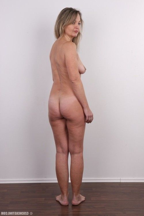 Teen housewife in casting session